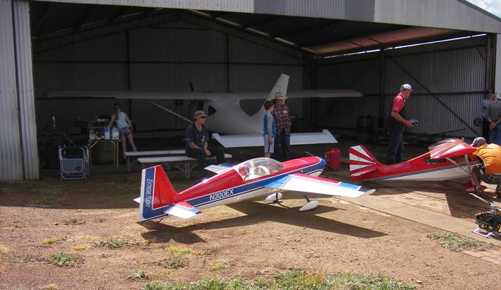 John Unger hangar.JPG
